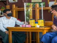 စက်တင်ဘာလ (၈) ရက်နေ့မှစ၍ စားသောက်ဆိုင်များတွင် ထိုင်စားခြင်းခွင့်မပြုပဲ ပါဆယ်သာရမည်