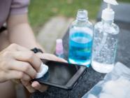 သင့်ဖုန်းပေါ်မှာ ၉ ရက်အသက်ရှင်နိုင်တဲ့ ကိုရိုနာဗိုင်းရပ်ကို ဘယ်လိုသေအောင်လုပ်မလဲ